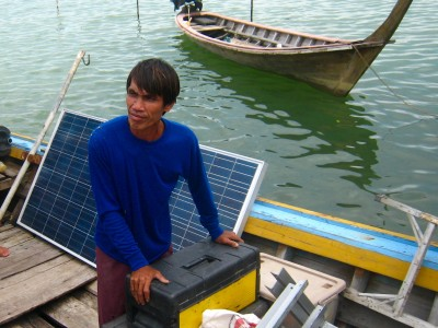 Solar panels delivered to Tung Dap Village on Ko Phra Thong